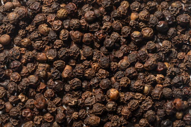 Whole Black Peppercorns (1 lb.)